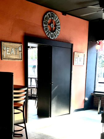 La Piazza Cucina Italiana: Dining Room Entrance