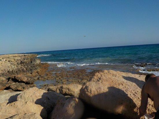 Christofinia Hotel Cyprus: валуны