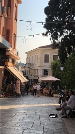 Plaka: Found another not-busy street
