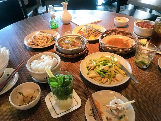 Cau Go Vietnamese Cuisine Restaurant: Food was great