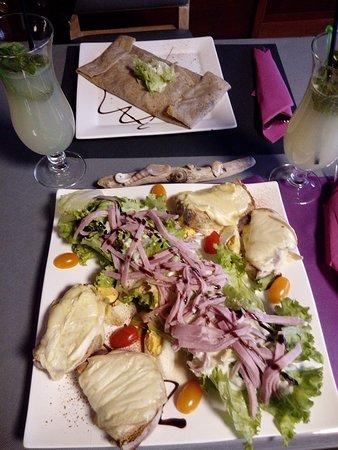 Crêperie La Toukenn: Salade des alpes et crêpes poireaux  noix de st jacques
