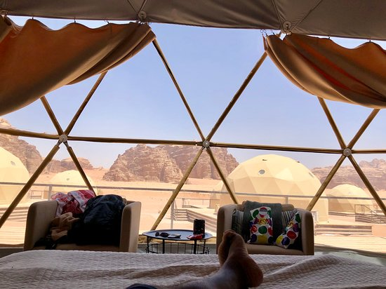 Petra Sella Hotel: Staying overnight in the Arabian desert of Wadi Rum, in a unique luxury space