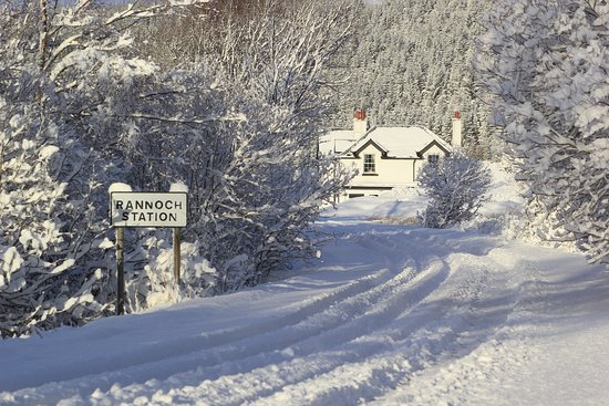 Approach to Rannoch Station