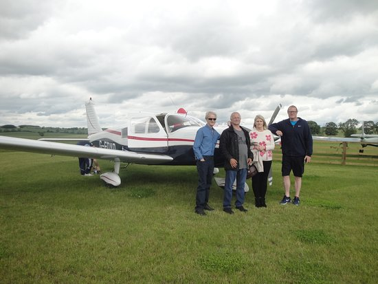 مقاطعة ديرهام, UK: Before take off with Blue Yonder Air Tours