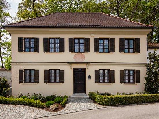 Stadtisches Lenbach Museum