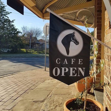 Stop in for a great coffee, a quick bite to eat, or a delicious treat, then walk around our market fresh fruit and veg market and shop for your specialty pantry items.