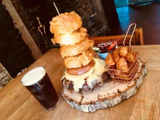 Corsley, UK: The kilo burger