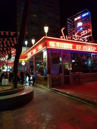 Sinatras Bar Benidorm: Avoid