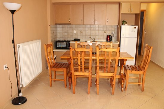 Antelia Homes: Kitchen