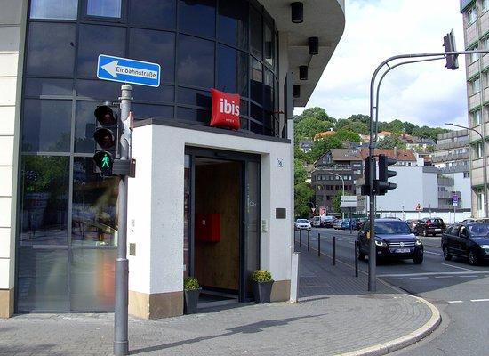 Diakoniekirche in Wuppertal-Elberfeld - Eine Kirche die lebt...: Ibis-Hotel  in Wuppertal.