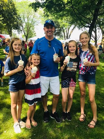 Stockton's 4th of July Celebration 2019 - Worth the stop to walk and look at vendors and get some treats!