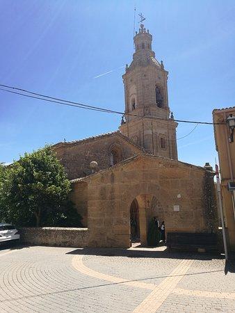 Villamayor de Monjardin, Espagne : Exterior de la Iglesia.