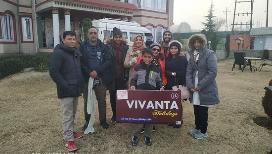 Kashmir Valley Family Trip Tour  5 Nights / 6 Days