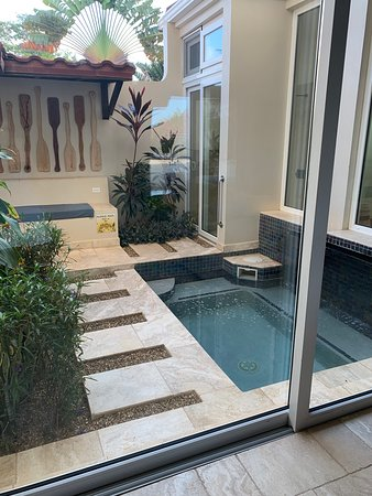 The Lodge at Jaguar Reef: Private plunge pool and sitting area
