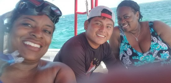 Rene coached my sister and I on our snorkeling adventure, absolutely amazing! Highly Highly recommend him and Belize Pro Dive Center