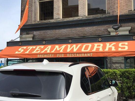 Gastown Pub Promenades : The first stop was Steamworks