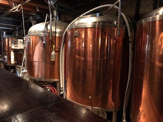 Gastown Pub Promenades : Inside Steamworks