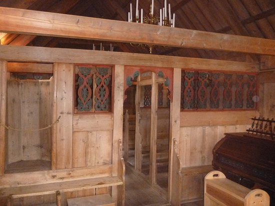 Víðimýrarkirkja Church: Seating area for noblewomen