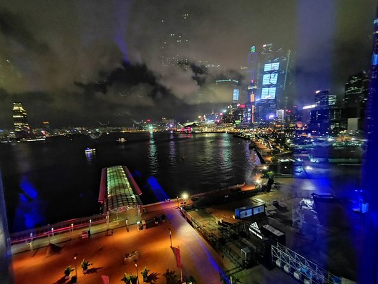 Hong Kong Observation Wheel: in the cabin