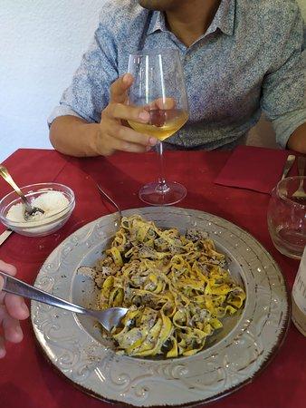 Sissa, Italia: Tagliolini al tartufo