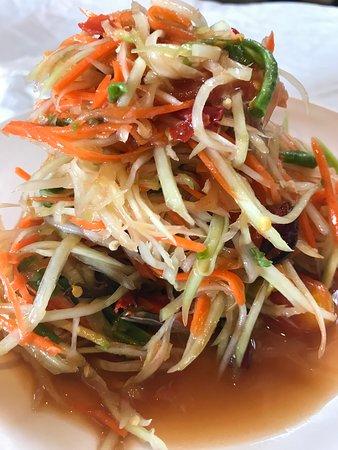 Coconut Seafood Restaurant & Bar: Papaya salad hit & hot menu at Coconut Seafood.
