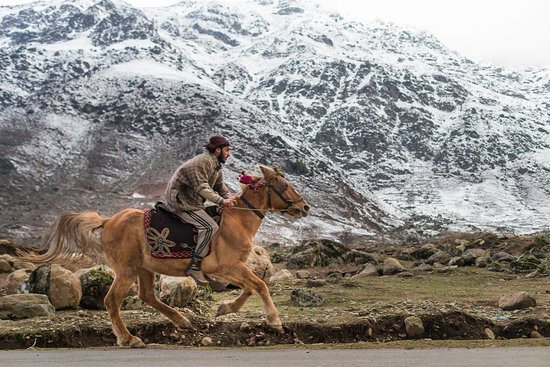 Kashmir, Índia: Visual Story Telling through Photos- A deeper exploration into Art of Photography , From Contemporary to Travel Photography, From Slow journalism to Documentary Photography.