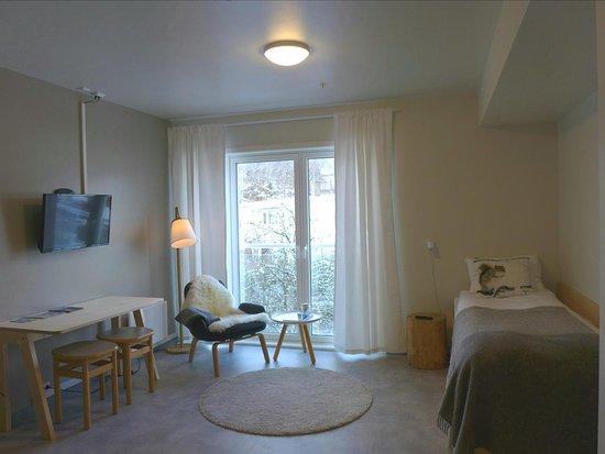 Tau, Norja: Room