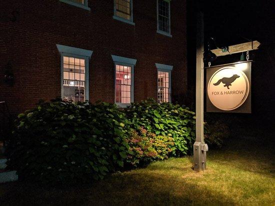 South Royalton, Βερμόντ: Fox and Harrow Restaurant