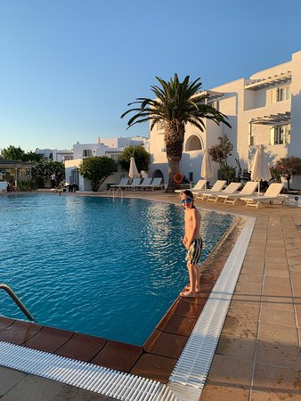 Great mid range accommodation on family friendly Naxos
