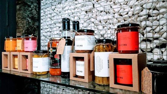 Locos x el Gourmet : LOCAL INTERIOR