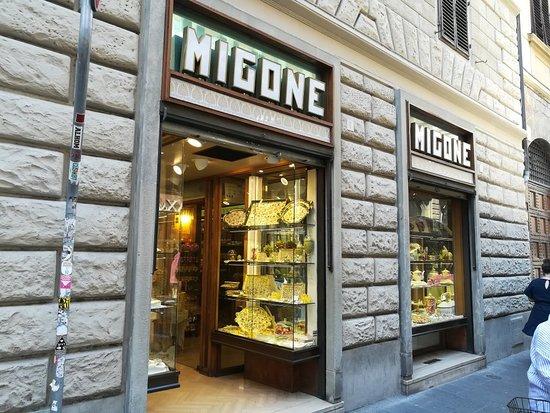 "Магазин ""Migone Confetti"" на Via dei Calzailuoli, Флоренция, июль."