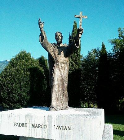Monumento A Carlo Cristofori