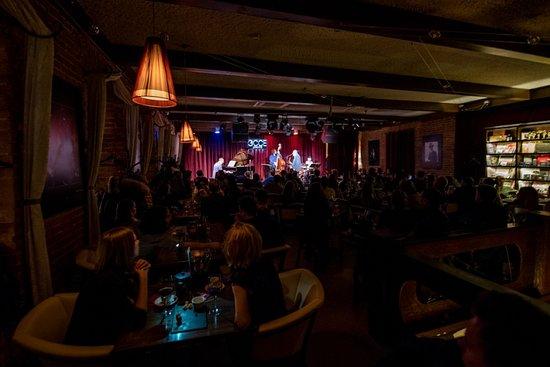 Москва клуб эссе на пятницкой ночной клуб ежедневно москва