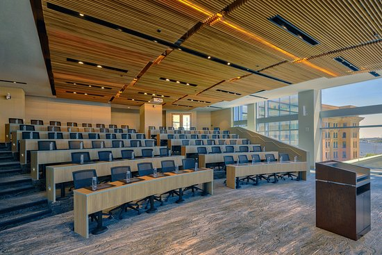 This tiered auditorium accommodates up to 90, set with ergonomic chairs and state-of-the-art technology.