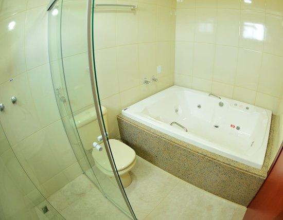 Rio Paranaiba, MG: Banheiro com Hidromassagem