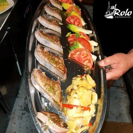 Filetes de atun acompañado de verdura y patatas