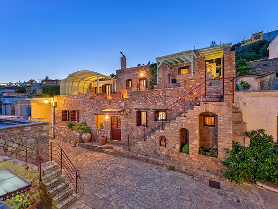 This is a view of the beautiful complex of Anatoli traditional villas.