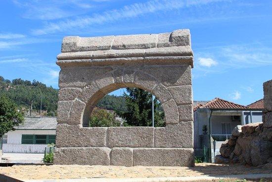 Marco de Canaveses, Portugal: Memorial de Alpendorada