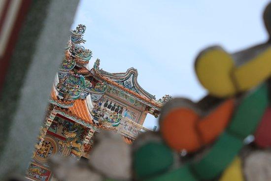 จังหวัดปราจีนบุรี, ไทย: มูลนิธีสว่างบำเพ็ญ ธรรมสถานเซียนซือ