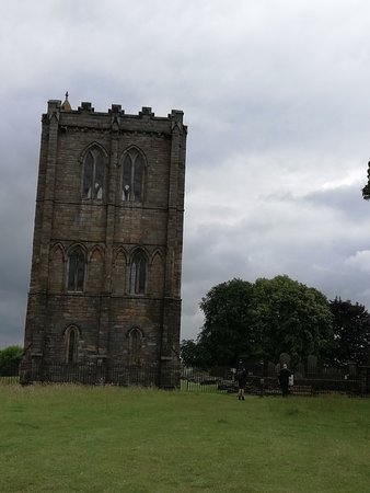 Cambuskenneth Abbey: The bell tower is standing