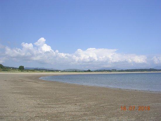 Traeth Glan-y-Don Beach