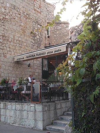 Konoba Fratelli: The restaurant from the street view
