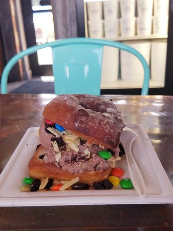 Crank & Boom Ice Cream Lounge: IceCcream Burger for Burger Week 2019