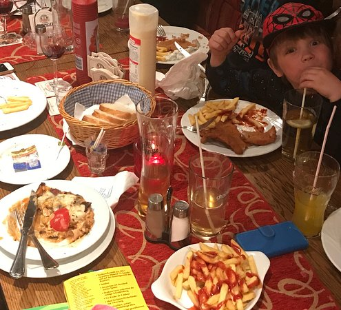 Tornesch, เยอรมนี: family dinner