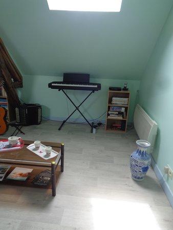 Orbigny, Francja: continuité du salon