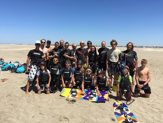 Le Grau-du-Roi, Francja: Groupe stagiaires sur le spot de la plage de l'Espiguette