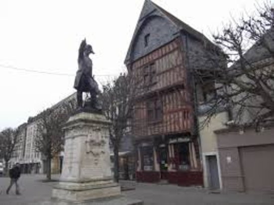 Statue Maréchal Rochambeau