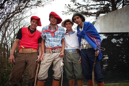 Chavarria, อาร์เจนตินา: La juventud de Chavarría