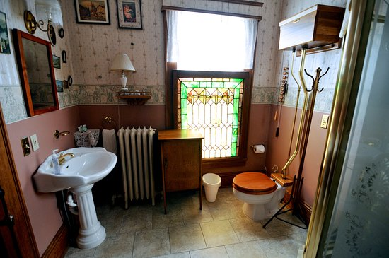 Ligonier, IN: Abraham Bathroom