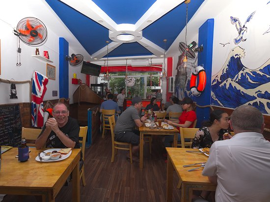 Union Jacks Fish & Chips: Full house every day last weekend for lunch!